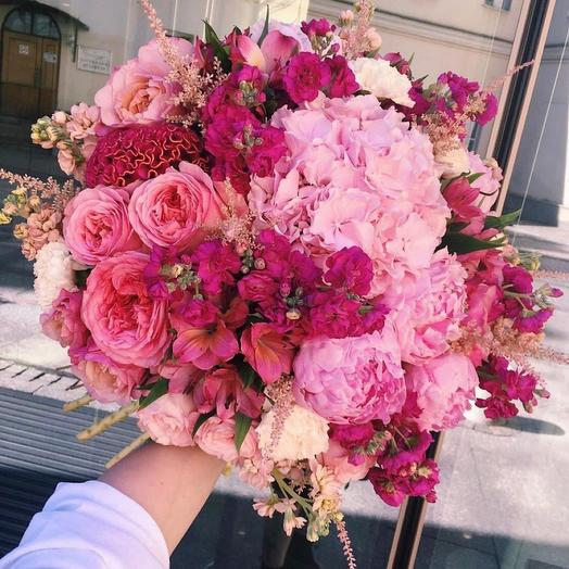 """Букет с гортензией и розами """"Альма"""""""