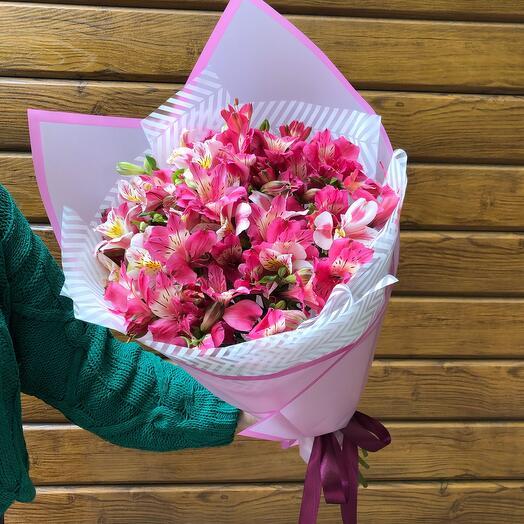 Flowers Lovers - 11 альстромерий микс в оформлении