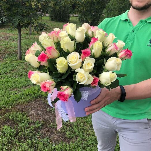 31 роза в коробке