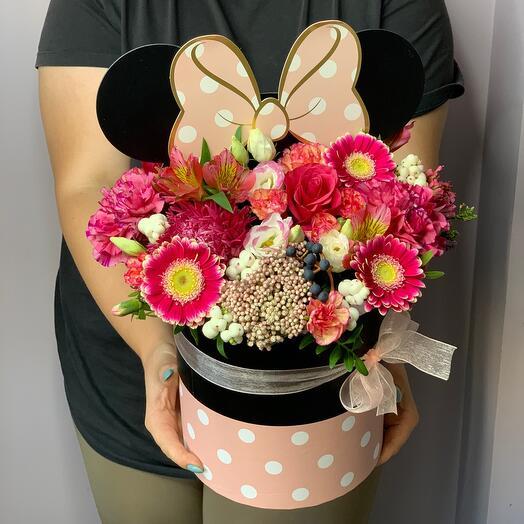 Цветы в коробке Микки-маус