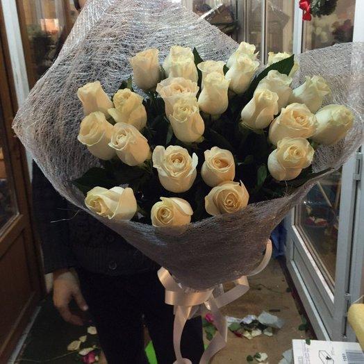25 голландских роскошных роз: букеты цветов на заказ Flowwow