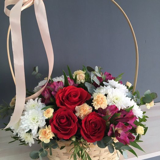 Цветы в корзине: букеты цветов на заказ Flowwow