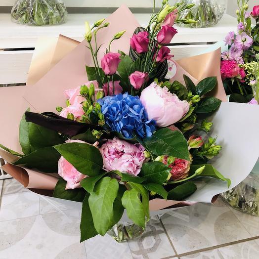 Букет с пионами: букеты цветов на заказ Flowwow
