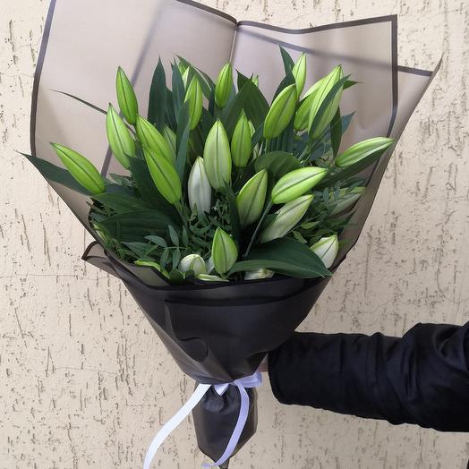 Букет из ароматных лилий: букеты цветов на заказ Flowwow