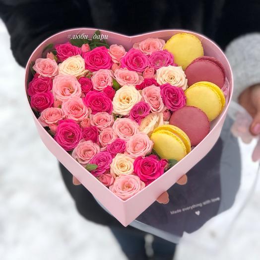 Коробочка «Цветы и сладости»