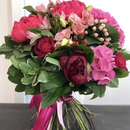 Яркие эмоции: букеты цветов на заказ Flowwow