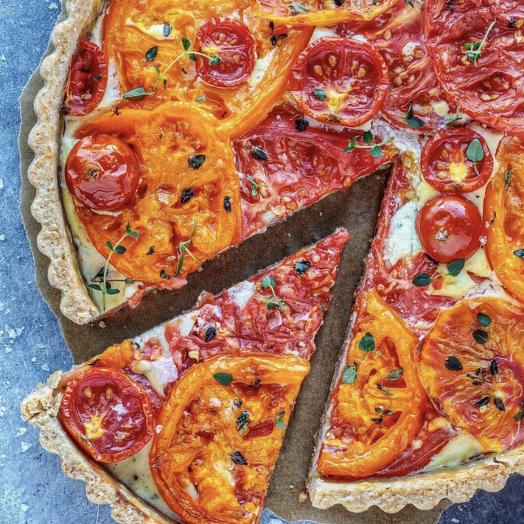 Пирог с моцареллой и томатами: букеты цветов на заказ Flowwow