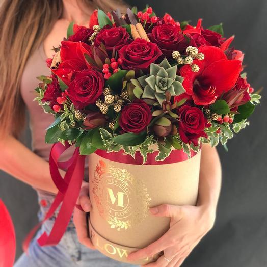 Цветы в коробке «Огненный поцелуй»