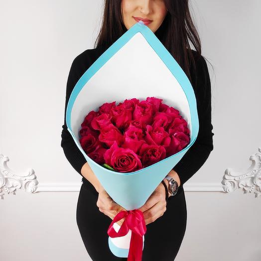 Букет из 19 Малиновых роз(коробка конфет в подарок, условие в описании)