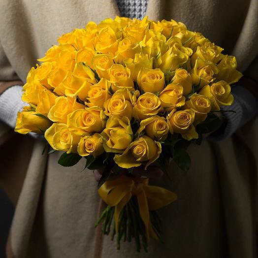 51 желтая роза 50 см