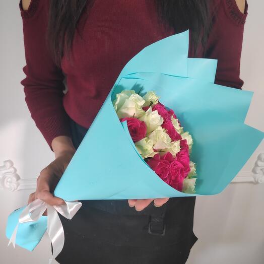 Мини букет из 19 роз
