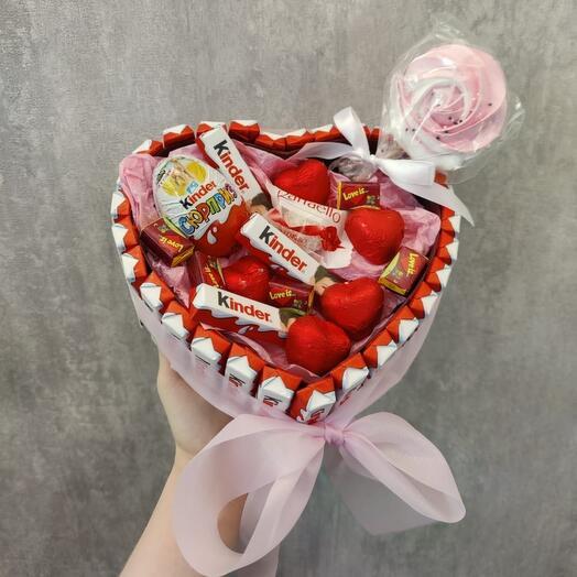 "Торт из киндеров ""Kinder Heart"""