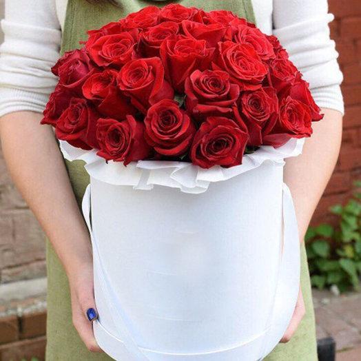 33 Розы: букеты цветов на заказ Flowwow