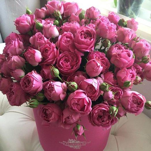 Коробка с кустовыми розами: букеты цветов на заказ Flowwow