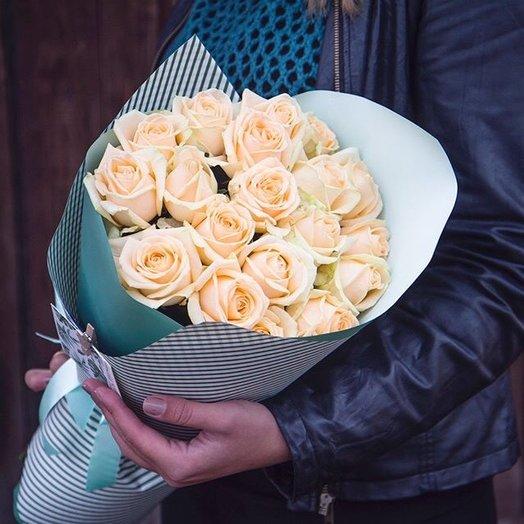 Букет из персиковых роз: букеты цветов на заказ Flowwow