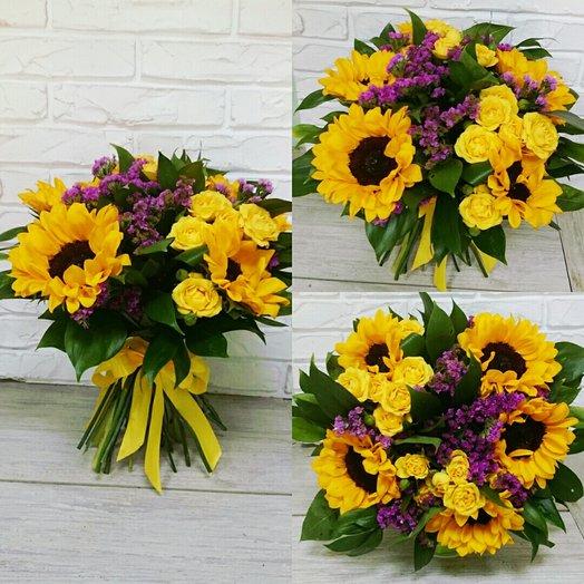 Букет из Солнечных Подсолнухов: букеты цветов на заказ Flowwow