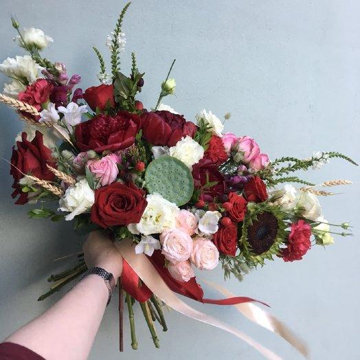 Бургундское полусладкое: букеты цветов на заказ Flowwow
