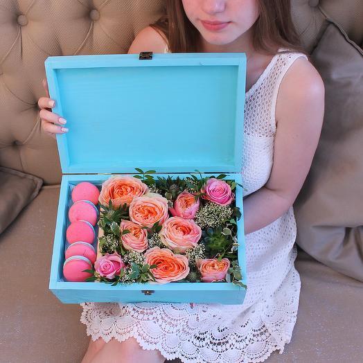 Подарочная шкатулка: букеты цветов на заказ Flowwow