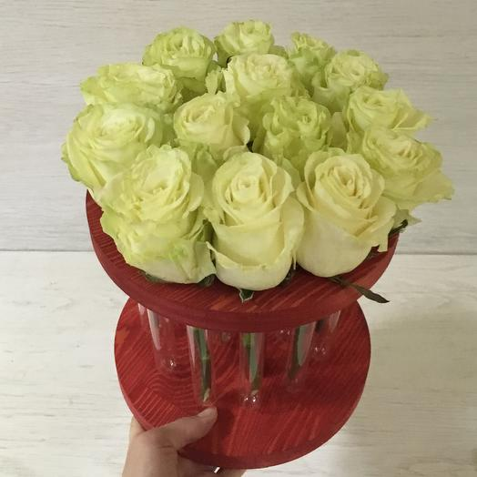 Круг из 15 роз: букеты цветов на заказ Flowwow