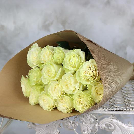 БУКЕТ ИЗ 15 БЕЛЫХ РОЗ 60 СМ. В КРАФТЕ: букеты цветов на заказ Flowwow