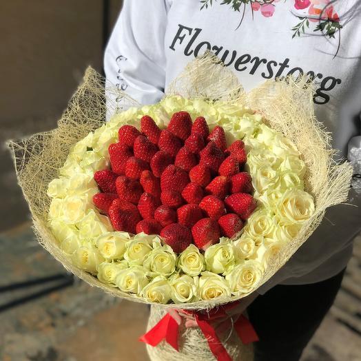 Букет. Белая Роза. Клубника N386: букеты цветов на заказ Flowwow