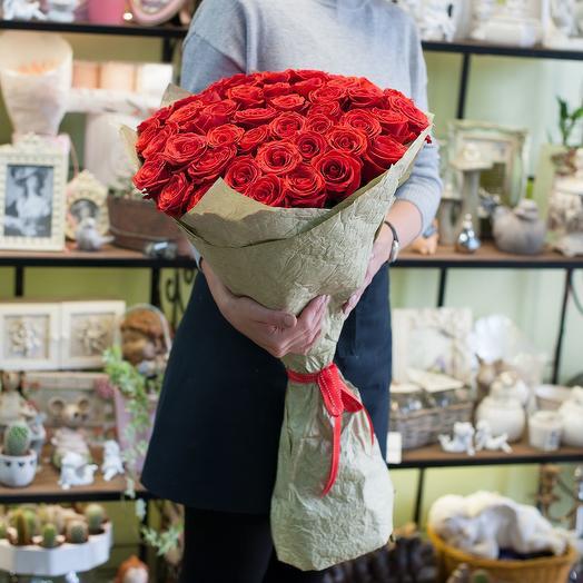 Букет из 51-ой алой розы