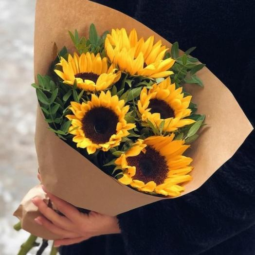 Букет из подсолнухов  в крафте: букеты цветов на заказ Flowwow