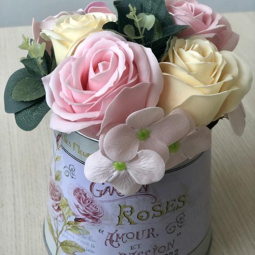 Букет из мыльных цветов в кашпо Прованс: букеты цветов на заказ Flowwow