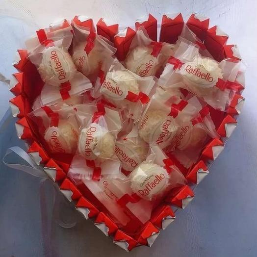Красно-белая любовь: букеты цветов на заказ Flowwow