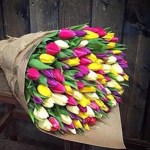 Сочный микс тюльпанов 101: букеты цветов на заказ Flowwow