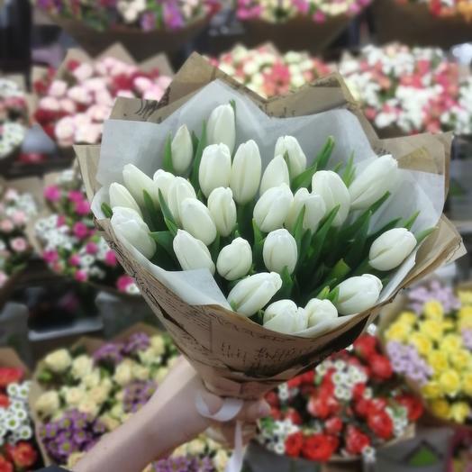Букет из 31 тюльпанов: букеты цветов на заказ Flowwow