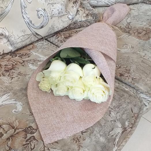 7 белых роз, 70см