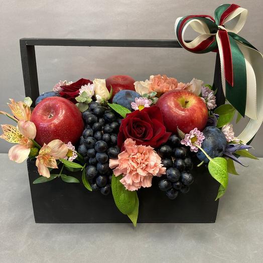 Ящик с фруктами и цветами «Осень»