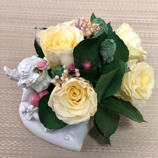 Ангел с чайными  розами