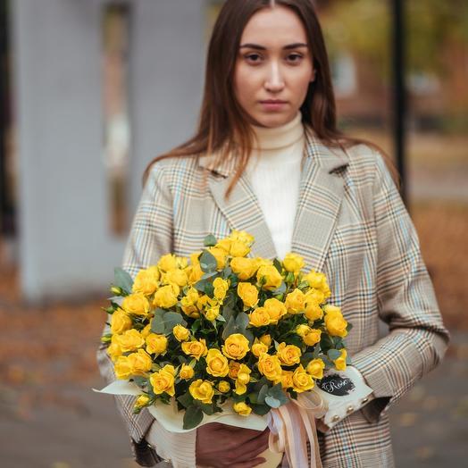 Композиция из кустовых роз Еллоу Бэби