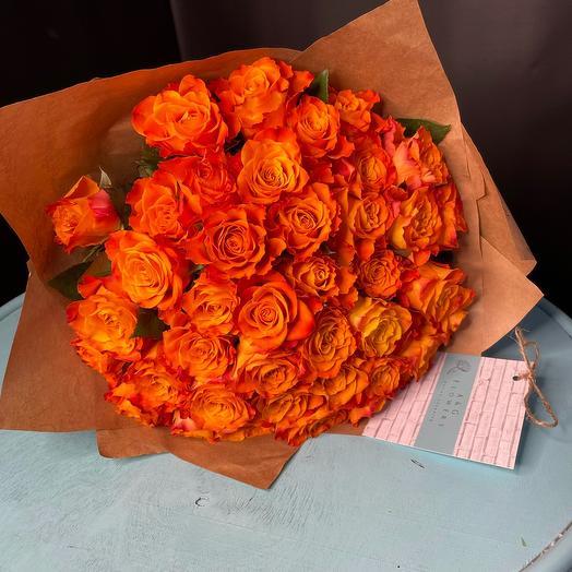 МоноБукет из яркой розы