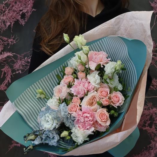 """""""Соната"""" С пионовидными розами и эустомой"""