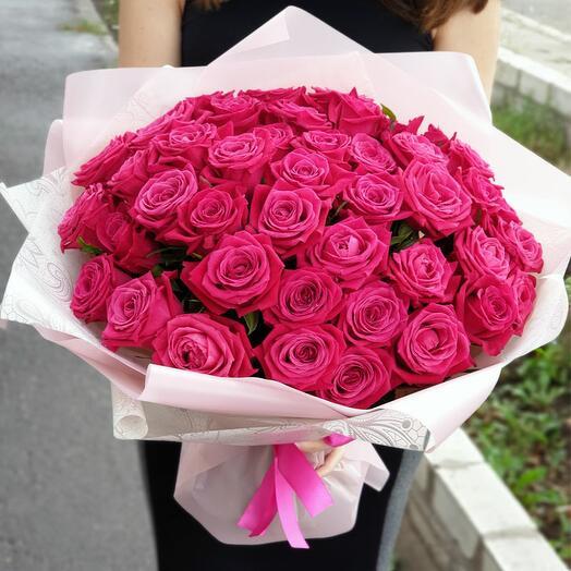 Букет из 51 малиновой розы