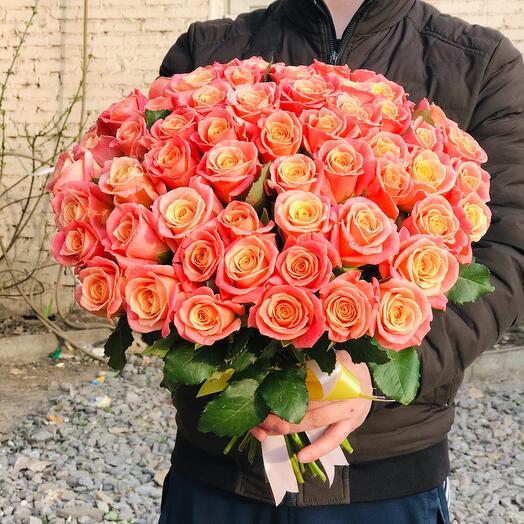 Букет из 51 Розы мисс Пигги