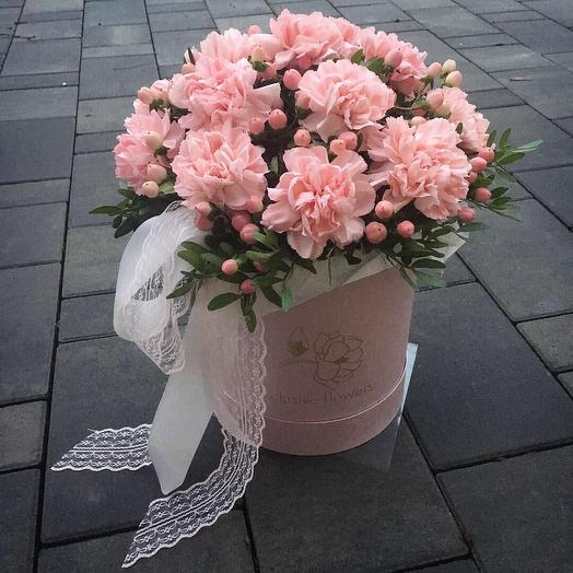 Коробка с цветами 4: букеты цветов на заказ Flowwow