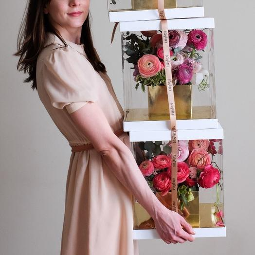 Композиция с ранункулюсами в коробке: букеты цветов на заказ Flowwow