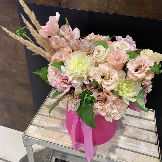Яркая коробка с цветами: букеты цветов на заказ Flowwow