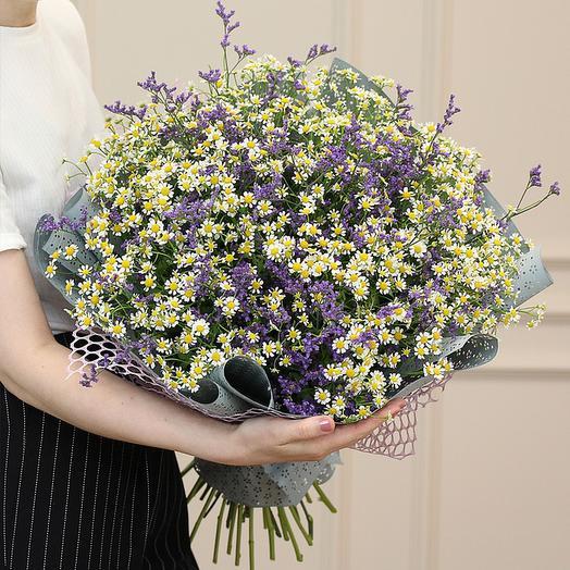 """Букет из """"25 матрикарий и лимониума"""": букеты цветов на заказ Flowwow"""