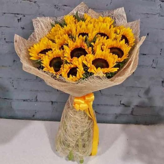 Букет из 19 подсолнухов: букеты цветов на заказ Flowwow