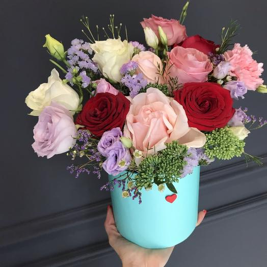 Яркая коробка 💕: букеты цветов на заказ Flowwow