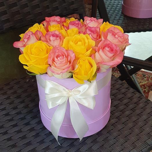 13 роз в коробке
