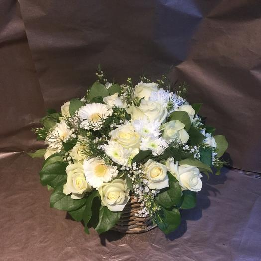 Basket white flowers