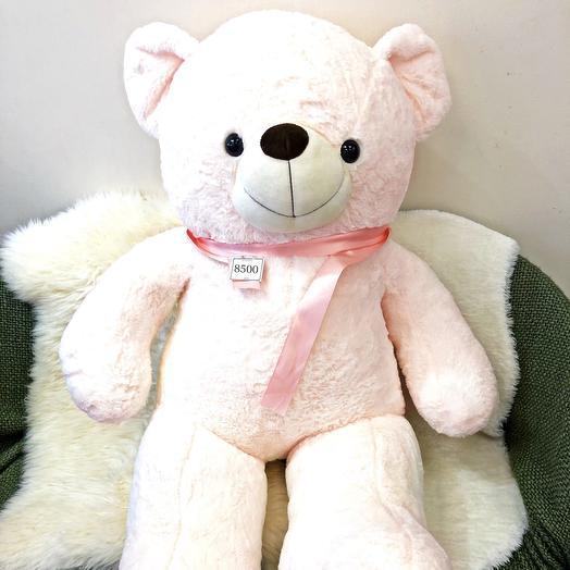 Плюшевый нежно-персиковый медвежонок