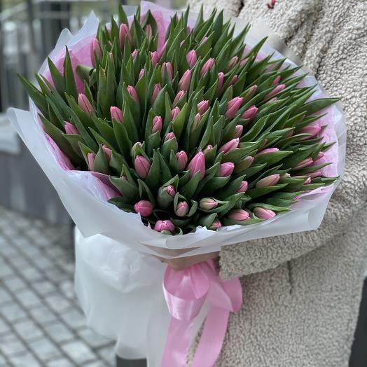 Букет Моана из 101 тюльпана