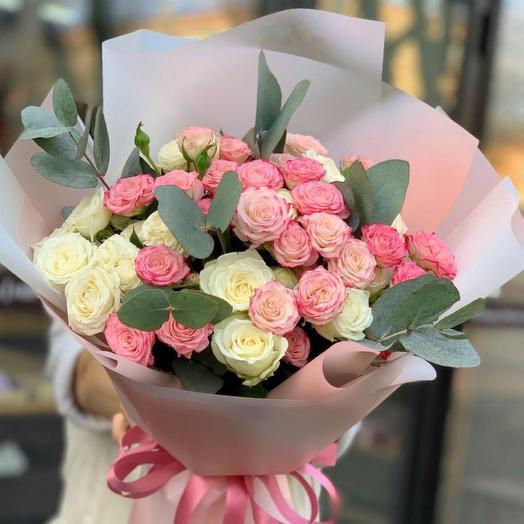 Подари ей нежные розы